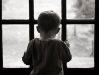 На Донеччині дитина випала з вікна 4 поверху