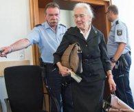 88-річну жінку засудили до шести місяців в'язниці за заперечення Голокосту