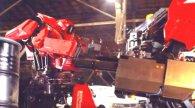 Перша у світі битва багатотонних роботів зі США і Японії (відео)