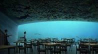 Справжня «морська» вечеря – на глибині 5 метрів під водою