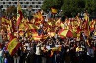 Тисячі іспанців вийшли на вулиці на підтримку єдності країни