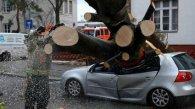 Ураган в Європі, загинули щонайменше троє осіб