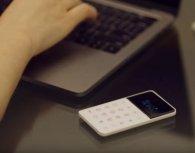 З'явився смартфон - трохи більший за кредитну картку(відео)