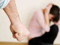 Батько 18 років знущався з доньки, бо хотів зробити з неї «суперлюдину»