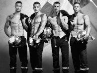 Еротика заради благодійності: календар із секс-пожежниками вражає