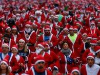 10 тисяч Санта-клаусів та ельфів взяли участь в благодійних перегонах