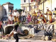 Оголена активістка Femen намагалася зіпсувати свято Різдва у Ватикані (відео)