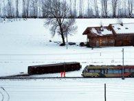 В Швейцарії через шторм поїзд зійшов з рейок (відео)