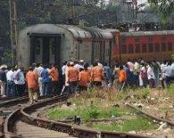 Чоловіка під час ризикованого селфі збив потяг(відео)