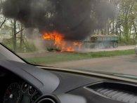 На трасі Луцьк-Рівне палає КамАЗ (відео)