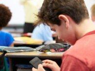 Французькі школярі можуть залишитися без смартфонів