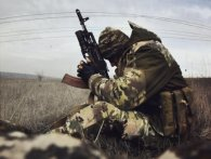 На Донбасі знову поранено українських військових