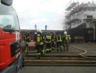 У Херсоні на причалі спалахнуло судно