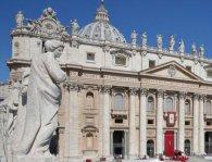 Новий закон Ватикану обурив «наречених Христових» через цноту
