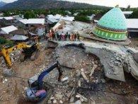 Землетрус на райському острові Ломбок забрав життя вже 436 осіб (відео)