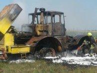 На Закарпатті вогнеборці мусили гасити в полі трактор