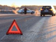 У Києві водій скутера, через якого три авто потрапили у ДТП, втік з місця пригоди