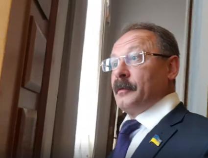 Кнопкодав Барна - журналістові: «Ти що, нетрадиційної орієнтації? Нах..й пішов!» (відео)