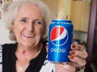 Британка понад 60 років п'є газованку і почувається чудово