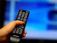 Половина українців хочуть слухати російські канали