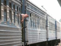 Нова послуга від «Укрзалізниці»: мінет від провідника, поки ви спите (18+)