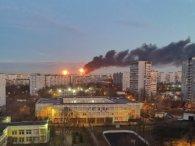 У Москві загорівся  нафтопереробний завод: москвичі говорять про «ядерний гриб» (відео)
