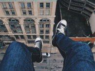 У Львові іноземець намагався скоїти самогубство, а люди кричали «стрибай»