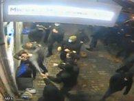 «Жорсткий пресинг»: кадри нападу «тітушок» на Анатолія Гриценка і його команду в Одесі (відео)