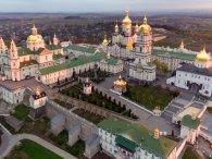 Почаївських ченців звинувачують у розкраданні святині