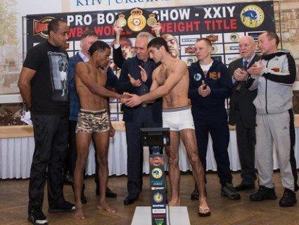 15 грудня український чемпіон світу з боксу проведе бій з домініканцем