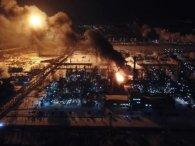 У Калуші горів завод із виробництва хімікатів: чи є загроза для людей (фото, відео)