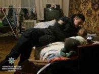 В Івано-Франківську 2-річну дитину залишили посеред ночі в пустій квартирі