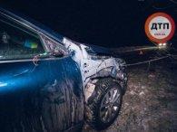 «Аж відірвало крило»: поблизу Києва авто на повному ходу збило військового ЗСУ