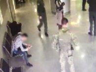 В «Борисполі» нервозний марокканець подряпав прикордоннику лице (відео)
