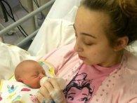 Лягла спати з головним болем, а прокинулася… з новонародженою донькою