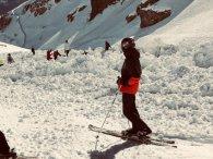 На швейцарському курорті лавина змела 12 чоловік (відео)