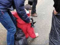 Розбита голова і забої: харків'янин випав із автобуса на ходу