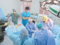 Хірурги відновили обличчя після снайперської кулі
