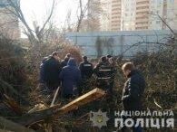 В Києві знайшли жінку, яка викинула на смітник новонароджене дитя