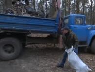 Толока: з лісу під Луцьком за дві години вивезли три КамАЗи сміття