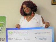 Жінка виграла в лотерею 30 разів за день (фото)