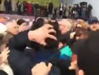 У Києві натовкли фізію фанату пропагандиста Шарія (фото, відео)