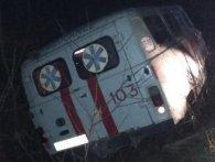 На Волині автомобіль швидкої з'їхав у кювет – двоє постраждалих
