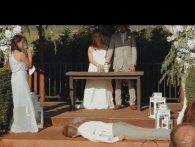 Валить з ніг: від співу дружки нареченої шафер на весіллі зомлів і вибив зуби (відео)
