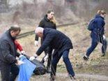 Губернатор Волині прибирав разом зі студентами сміття (фото, відео)