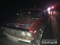 Смертельна ДТП: мікроавтобус збив трьох людей, котрі штовхали машину