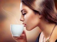 Вчені: кава зменшує груди у жінок