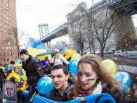 У Нью-Йорку на виборчій дільниці співали гімн України (відео)