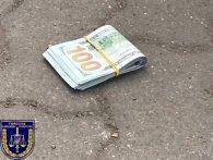 На Волині «сигаретник» давав прикордоннику 400 доларів хабара