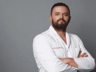 Пластичний хірург з Волині Валіхновський прооперував відому блогерку (фото)